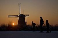 Skating the Alblasserwaard Molentocht, Zuid_Holland. The Netherlands