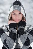 Austria, Salzburger Land, Altenmarkt, Zauchensee, Woman wearing hooded jacket, portrait