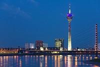 Germany, North_Rhine_Westphalia, Dusseldorf, city skyline, view across Rhine