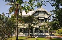Bangkok (Thailand): old teakwood building in the Vimanmek Mansion´s complex