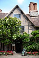 Hall´s Croft, once the home of Shakespeare´s daughter Susanna who married Doctor John Hall in 1607 after whom the house is named. The Croft houses a c...