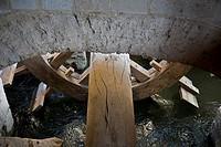 Rueda de las aceñas de Olivares en el río Duero Zamora  Castilla-León  España