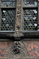 DETAIL OF THE FACADE OF THE KAMMERZELL HOUSE, STRASBOURG, BAS RHIN 67, FRANCE, EUROPE