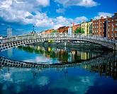 Ha´penny Bridge, River Liffey, Dublin, Ireland