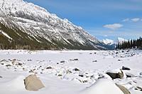 nature winter snow covered scenic medicine lake