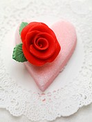 Sugar heart with marzipan rose
