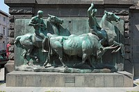Germany, Krefeld, Rhine, Lower Rhine, North Rhine-Westphalia, Kaiser Wilhelm Museum, Karl Square, Westwall, relief ´Stiertreiben´ by Louis Tuaillon, h...