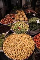 Turkey, Mardin, the old bazaar, fruit and vegetables ...