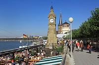 Germany, Duesseldorf, Rhine, Lower Rhine, North Rhine-Westphalia, NRW, Rhine promenade, old town, flood marker, catholic church Saint Lambertus, castl...