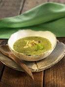 Creamed zucchini and leek soup