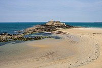 View at Fort de Petit Be and beach, St. Malo, Brittany, France, Europe