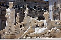 Piazza Pretoria square, Fontana Pretoria, fountain, Palermo, Sicily, Italy, Europe
