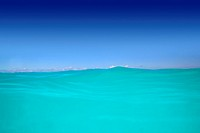 caribbean wave turquoise water high horizon