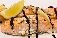 Baked salmon with chive