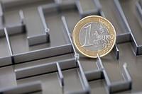 Euro coin in a maze