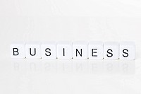 Das Wort Business aus Würfeln