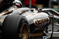 Race, Vitaly Petrov, Friday Practice, Australian Grand Prix, Melbourne, Australia