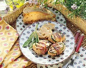 Provencal pork medallions with courgettes, bacon & bread