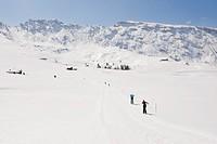 Italy, Trentino_Alto Adige, Alto Adige, Bolzano, Seiser Alm, Man and woman doing cross_country skiing
