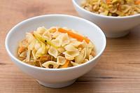Nudelsuppe mit Gemüse _ Noodle Soup with Vegetables