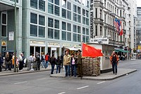 Berlin Ehemaliger Grenz Kontrollpunkt Checkpoint Charlie Deutschland , The famous formerly Checkpoint Charlie Berlin Germany Europe