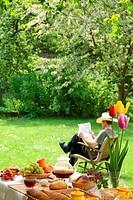 Breakfast in the garden.
