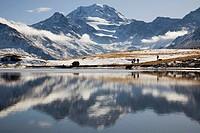 persons at Lake Gebidum, Gebidumsee, Switzerland, Valais, Visperterminen, Giw