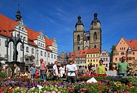 flower market, ancient townhall and city church in background, Germany, Saxony_Anhalt, Wittenberg