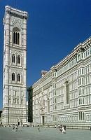 Italy, Tuscany, Florence, Santa Maria del Fiore Chatedral and Campanile di Giotto Belfry