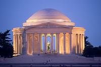 Night view of Jefferson Memorial in Washington DC