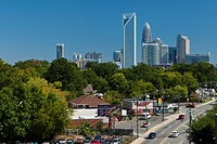 Skyline of Charlotte, North Carolina's largest city and the second largest banking and financial centre in the USA, Charlotte, North Carolina, USA, No...