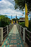 Thailand, Chiang Mai, footbridge over river Ping