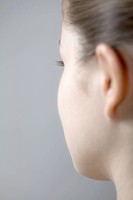 Side of young woman´s face
