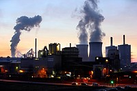 Gas-fired power plant in Duisburg-Huckingen, operated by RWE, Huettenheim, Duisburg, North Rhine-Westphalia, Germany, Europe