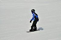 Snowboarder, 11 years, Mt Fellhorn, Oberstdorf, Allgaeu Alps, Upper Bavaria, Bavaria, Germany, Europe, PublicGround