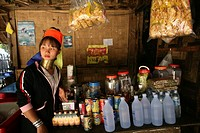 Longneck girl at a local shop Approximately 300 Burmese refugees in Thailand are members of the indigenous group known as the Longnecks The largest of...