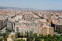 View from the bridge of La Sagrada Família, Basílica i Temple Expiatori de la Sagrada Família, Basilica and Expiatory Church of the Holy Family, over ...