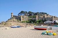 Boats, beach, castle Villa Vella, old town, coastal village Tossa de Mar, Costa Brava, Catalonia, Spain, Europe