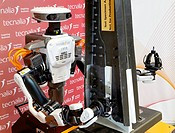 Hiro Japanese robot, humanoid robot working alongside people, Industrial Robotics, Research in Industrial Systems, R & D + i, Tecnalia Research and In...