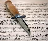 knife on music