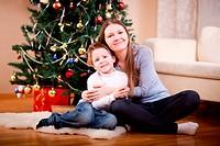 Mutter und Sohn zu Weihnachten