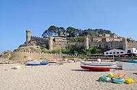 Boats, beach, Castle Villa Vella, old town, coastal village Tossa de Mar, Costa Brava, Catalonia, Spain, Europe, Boote, Strand, Burg Villa Vella, Alts...