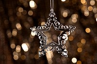 Christmas tree ornament with mirror effect