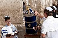 Israel, Jerusalem, bar mitzvah ceremony at The Wailing Wall