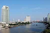 Blick über den Chao Phraya in Bangkok / View over the Chao Phraya at Bangkok
