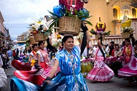 Chinas Oaxaquenas dance during the Calenda of Carmen Bajo neighborhood in Oaxaca, Mexico, July 14, 2012  Oaxaca commemorates the ´Guelaguetza,´ an ann...