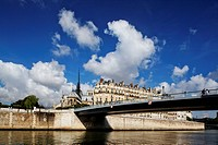 Ile de la Cite, Seine and Notre Dame under blue sky, Paris, France, Europe