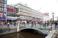 Nordstan shopping complex Norra Mamng small bridge on cannel ; Burnnsparken ; Gothenburg ; Sweden