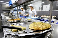 Cook, Food menu preparation, hospital kitchen, Onkologikoa Hospital, Oncology Institute, Case Center for prevention, diagnosis and treatment of cancer...