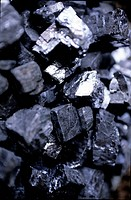 ANTIMONY, A METAL USED IN MAKING KOHL, A MAKE_UP FOR THE EYES ALSO COMPOSED OF PEPPER AND GROUND CLOVE, TRADITIONAL MAKE_UP, BAZAAR OF MARRAKECH, MORO...